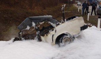В Абинском районе в автомобиле сгорели два человека