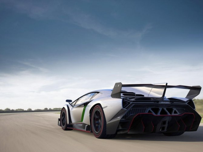 Lamborghini Veneno (3).jpeg