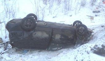 В ДТП на Серовском тракте при опрокидывании авто пострадали два человека