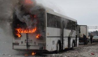 Рейсовый автобус сгорел на трассе M3 в Белоруссии