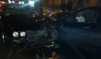 В Калуге водитель Jaguar сбежал с места ДТП