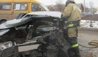 В Узловой после ДТП водителя «вырезали» из автомобиля