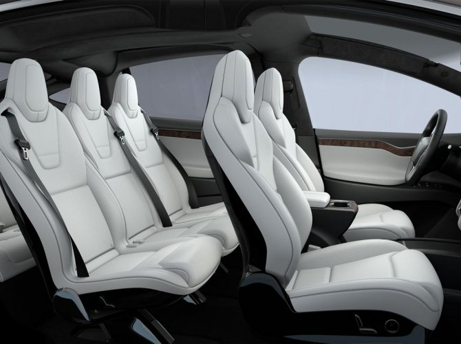 Tesla Model X (7).jpg
