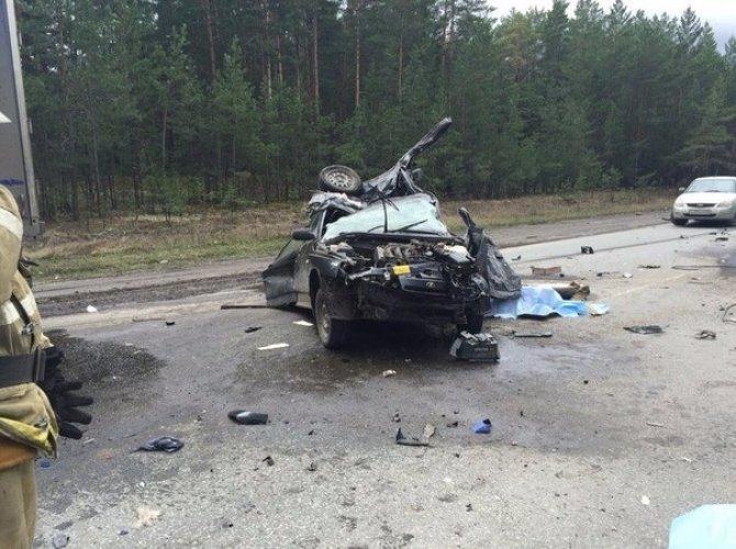 В страшном ДТП на трассе Курган – Омск погибли два человека (3).jpg
