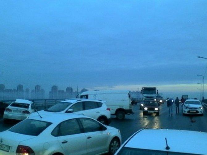 Утро субботы в Петербурге началось с множества ДТП (2).jpg