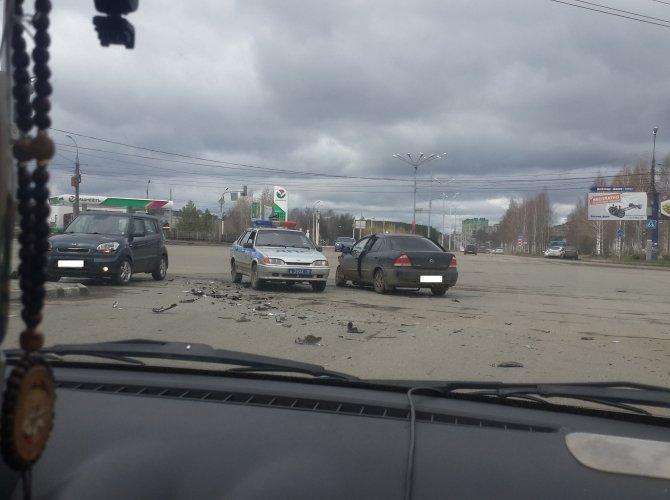 В Ижевске в ДТП пострадали четыре человека, включая двух детей (2).jpg