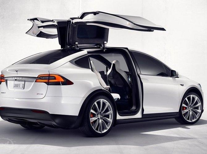 Tesla Model X (4).jpg