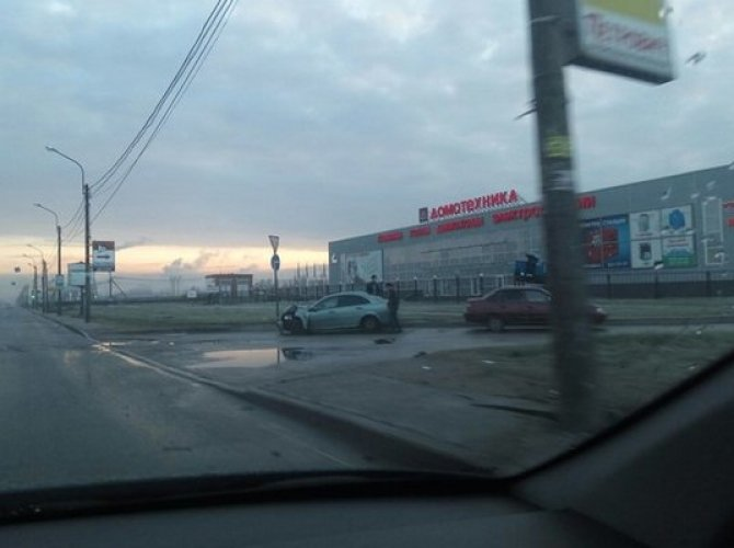 Утро субботы в Петербурге началось с множества ДТП (9).jpg