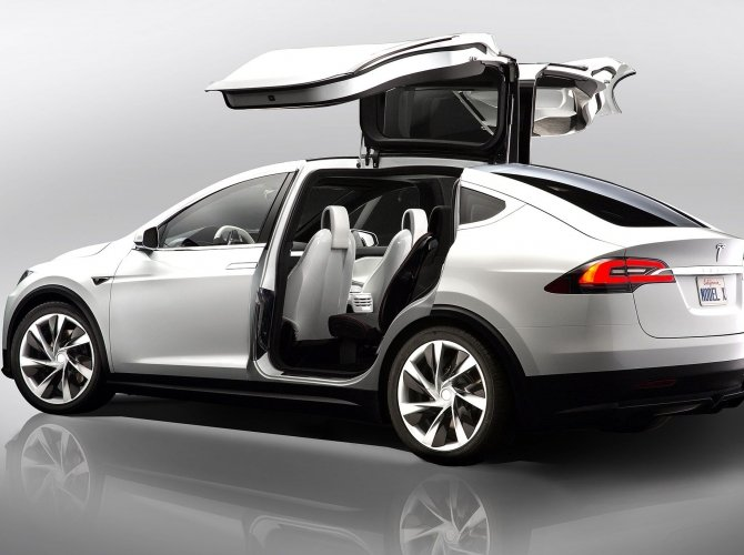 Tesla Model X (8).jpg