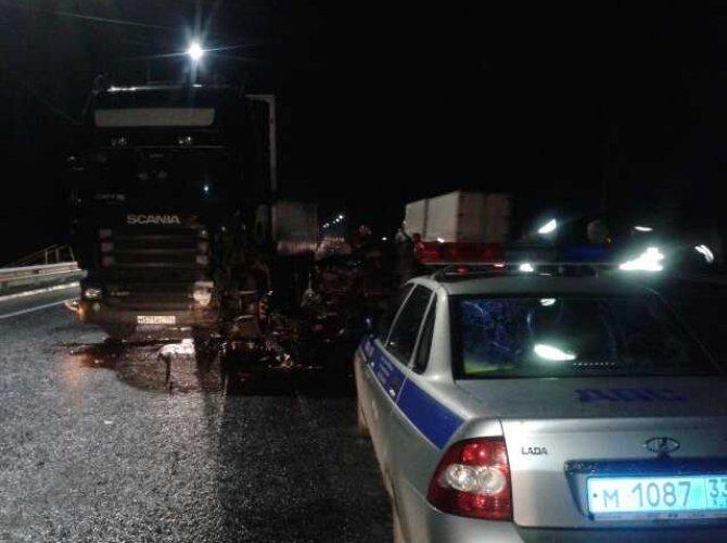 На М-7 в ДТП с грузовиком погиб водитель ВАЗа (2).jpg