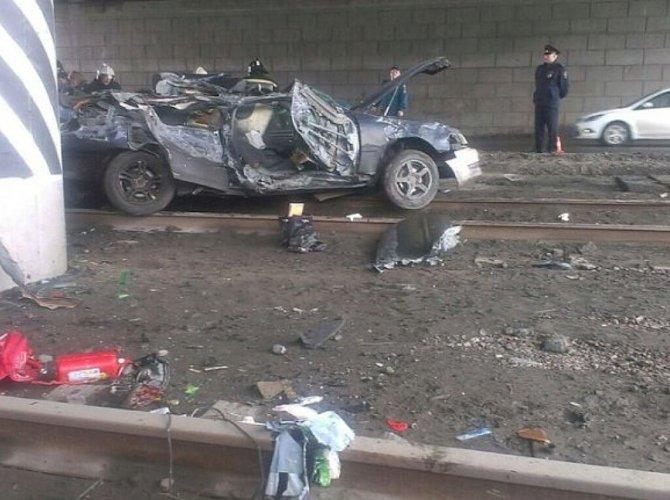 В Омске в ДТП погибли четверо, в том числе маленький ребенок (4).jpg