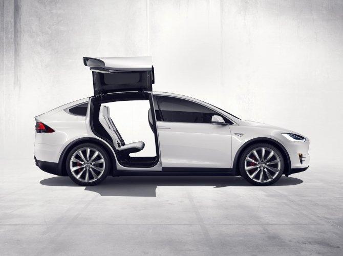 Tesla Model X (6).jpg