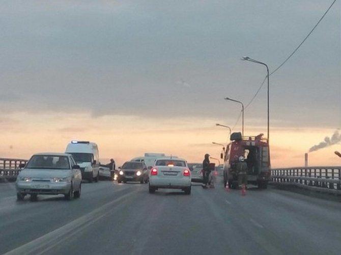 Утро субботы в Петербурге началось с множества ДТП (8).jpg