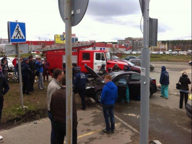 В Ижевске в ДТП пострадали четыре человека, включая двух детей (3).jpg