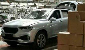 В Сети появились фото нового китайского кросс-купе Haval