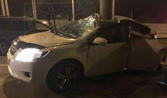 Во Владивостоке при столкновении автомобиля со столбом погиб пассажир