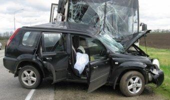Под Тихорецком в лобовом ДТП с автобусом погиб человек