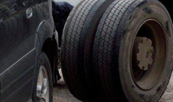 В Дзержинске отлетевшие колеса грузовика спровоцировали массовое ДТП