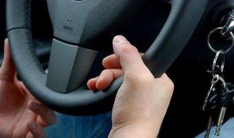В Набережных Челнах 16-ти летний школьник угнал автомобиль и бросил его на трассе