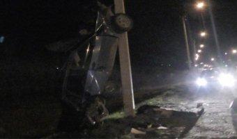 В Удмуртии мужчина при столкновении со столбом вылетел из ВАЗа и погиб
