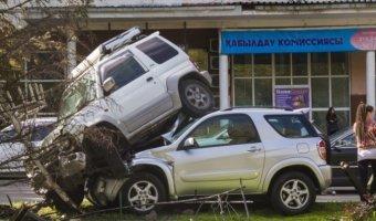 В Алматы Mitsubishi Pajero Junior оказалась