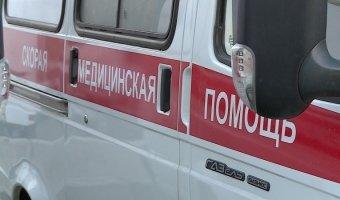 В Москве фура врезалась в автовышку: погиб человек
