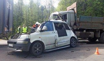 На трассе «Вологда - Новая Ладога» в массовом ДТП погибла женщина