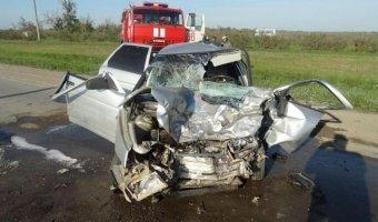 На Ставрополье в тройном ДТП погиб водитель
