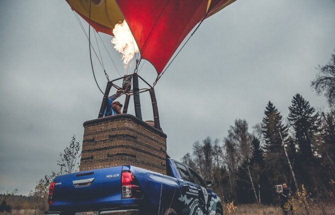 """Toyota Hilux в проекте Федора Конюхова """"Кругосветное путешествие на воздушном шаре"""""""