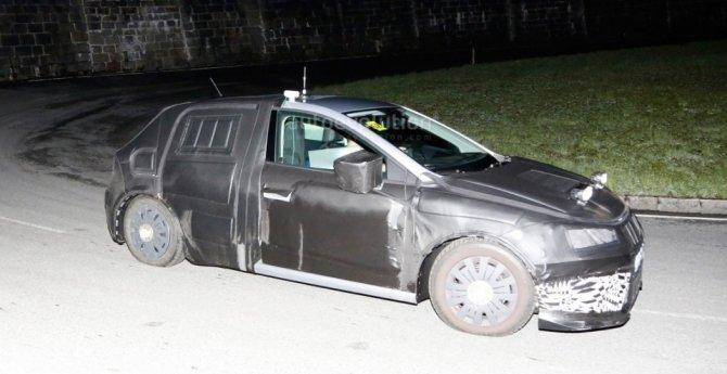 Новый Seat Ibiza попал в объективы фотошпионов (1).jpg