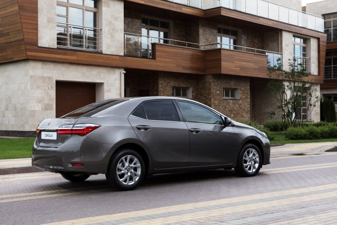 Toyota Corolla (3).jpg