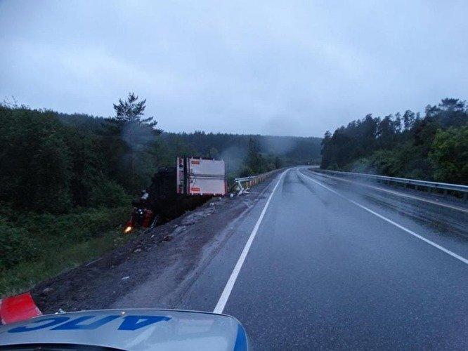 На трассе М-5 в Челябинской области погиб дальнобойщик (3).jpg