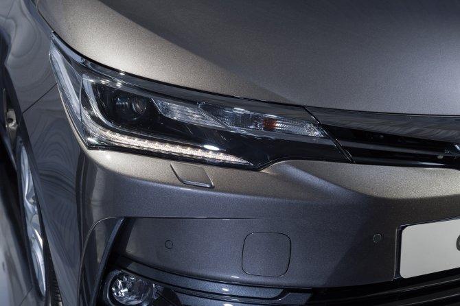 Toyota Corolla (7).jpg