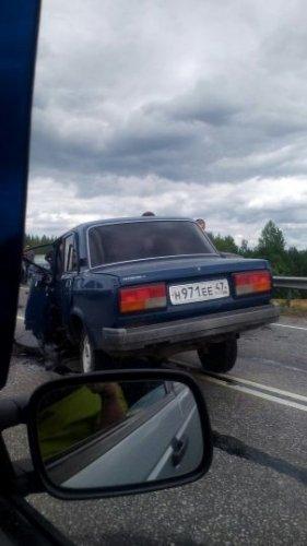 Под Гатчиной в ДТП погиб человек (2).jpeg