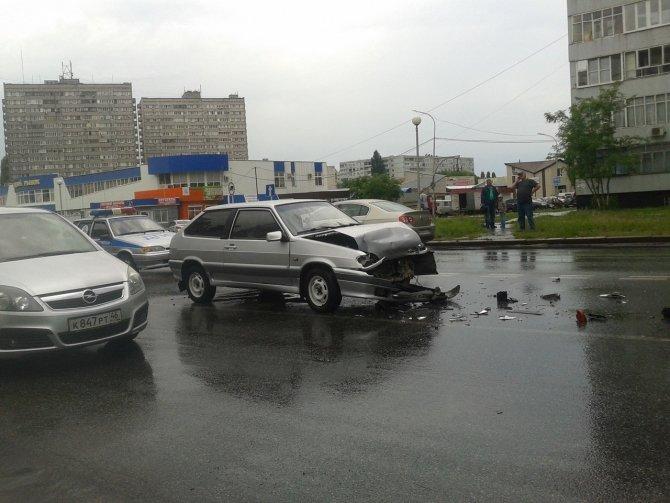 В Курчатове в ДТП пострадали две женщины (1).jpg