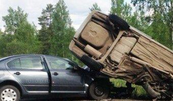 В Псковской области в ДТП погибли два человека, в том числе полицейский