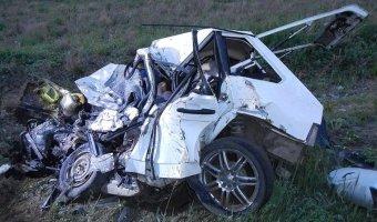 В ДТП с автокраном в Иркутской области погибли четыре человека