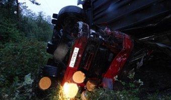 На трассе М-5 в Челябинской области погиб дальнобойщик