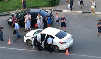 В Подмосковье пьяный водитель сбил двух девочек на переходе