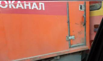 В Ростове трамвай сбил две легковушки и аварийную машину