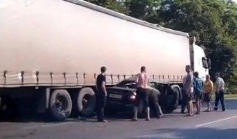 В ДТП под Таганрогом один человек погиб и трое пострадали
