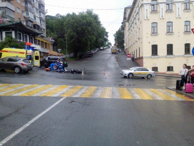 Во Владивостоке в ДТП погибли мотоциклист с пассажиром (2).jpg