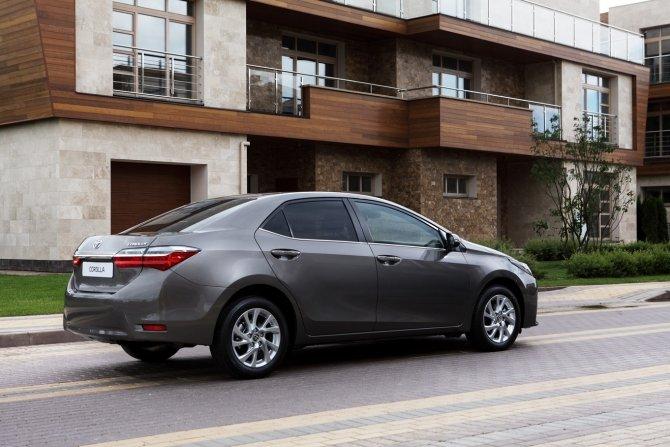 Toyota Corolla (6).jpg