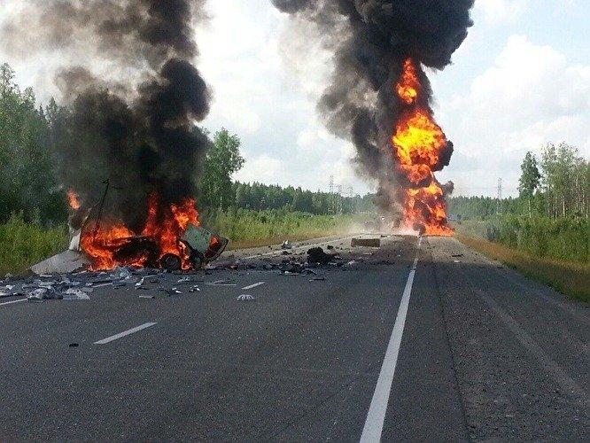 В ДТП с бензовозом в Югре погибли два человека (2).jpg