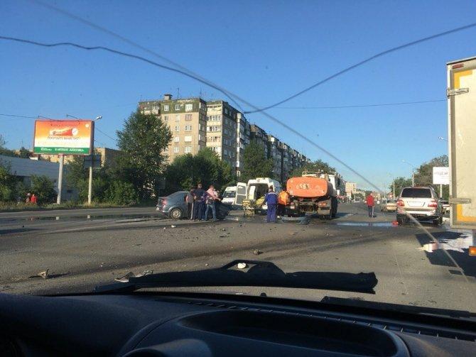 В ДТП в Челябинске погиб водитель иномарки (2).jpg