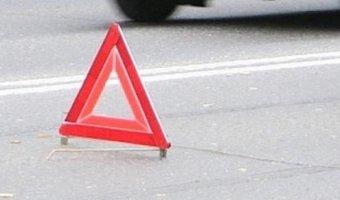 Под Ростовом водитель ВАЗ-2112 врезался в стоящий на обочине КамАЗ: трое погибших