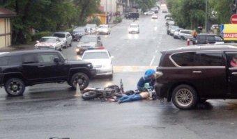 Во Владивостоке в ДТП погибли мотоциклист с пассажиром