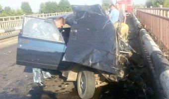 В Башкирии в ДТП с грузовиком погибли три человека, в том числе 2-летний ребенок