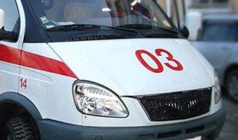 В Домодедово автомобиль сбил бабушку с внуком на остановке