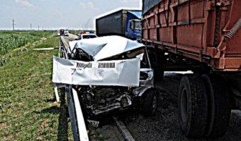 На Кубани в ДТП погиб молодой водитель ВАЗа